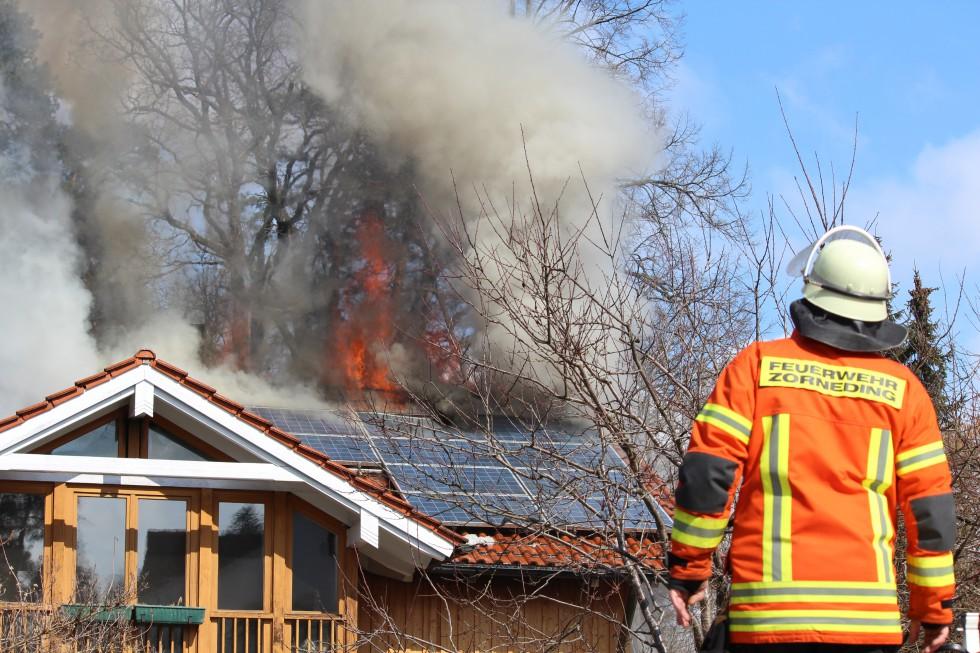 Brand in der Frühlingsstraße. Foto: Markus Bistrick/B304.de