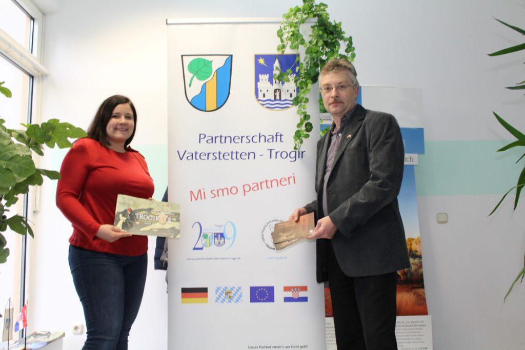 Partner bei Reisen nach Trogir – Der Partnerschaftsverein und das Reisestudio Bernau, v.l. Ramona Bernau, Leiterin und Michael Baier, Vereinsvorsitzender