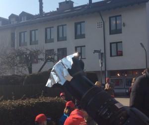 Auch über Teleskope konnte die Finsternis beobachtet werden